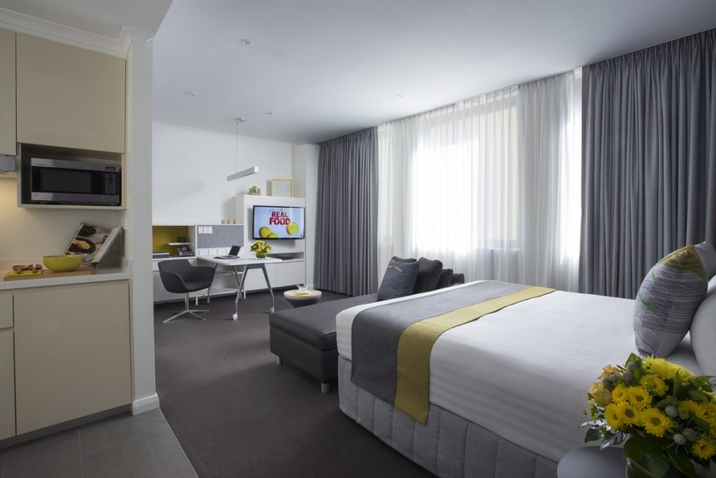 Citadines St Georges Terrace Perth - studio executive - living room
